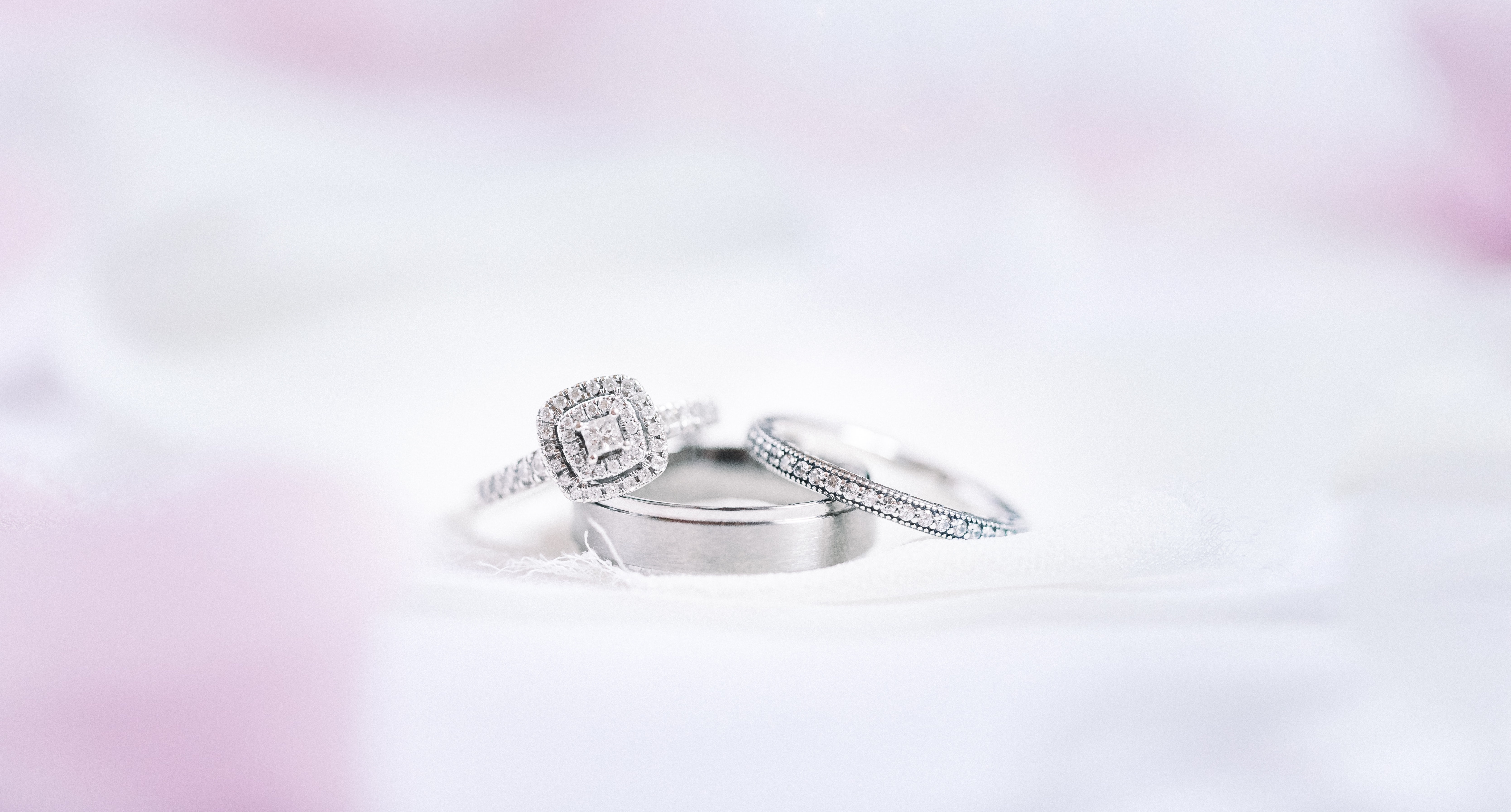Wedding Rings 101: A Guide to Engagement Rings & Weddings Bands